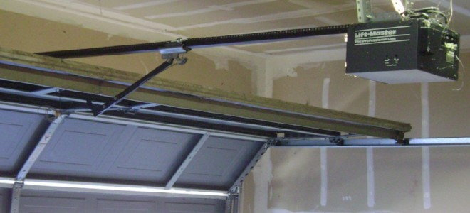 Convert A Chain Drive Garage Door Opener To A Screw Drive Doityourself Com