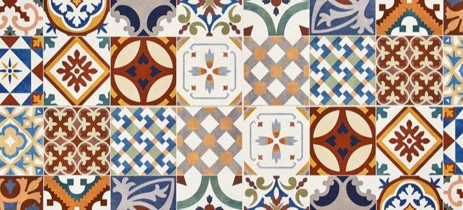 красочные керамические плитки с замысловатыми узорами
