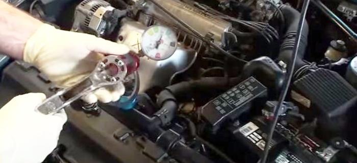 Symptoms of a bad oil pump