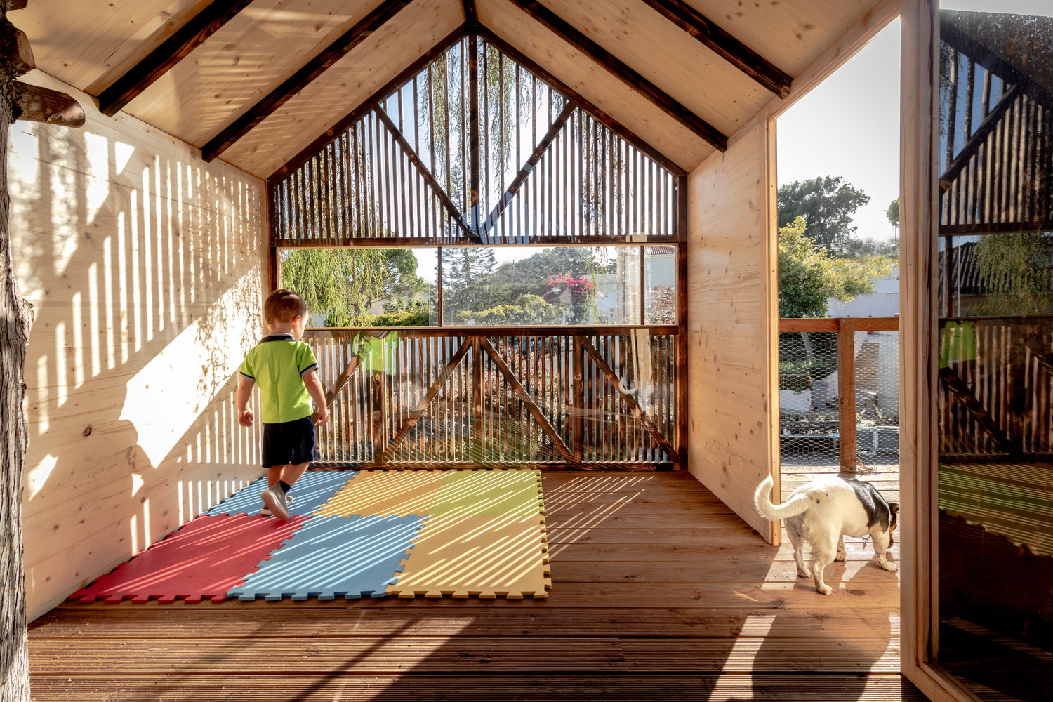 Top-Notch Craftsmanship Shines in This Treehouse for Kids
