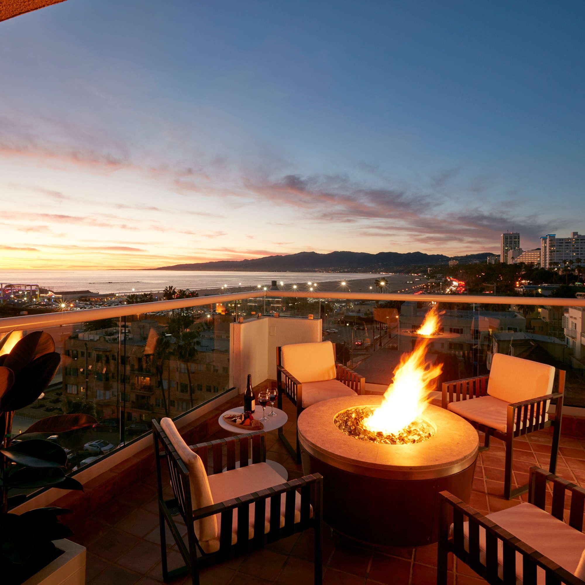 loews santa monica beach hotel expert review fodor s travel. Black Bedroom Furniture Sets. Home Design Ideas
