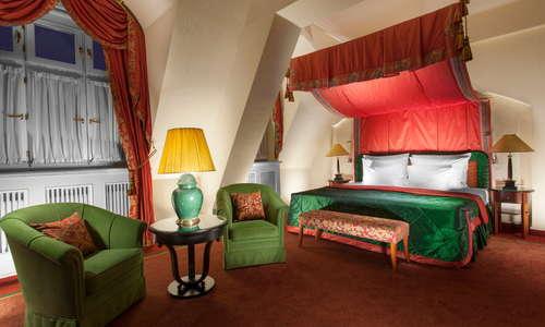 Art Nouveau Suite 701