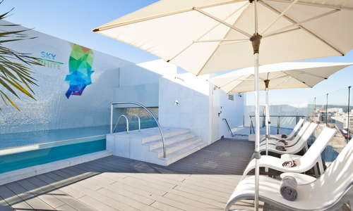 Swimming pool on roof terrace