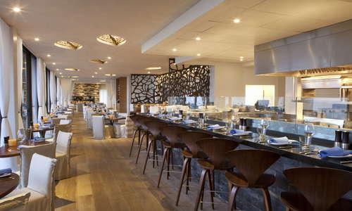Hotel La Jolla, Curio Collection by Hilton Cusp Bar