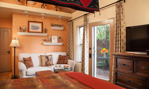 Kachina Room - King bed, Native American art, Private bath and patio
