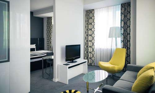 Vienna House Andel's Berlin Junior Suite