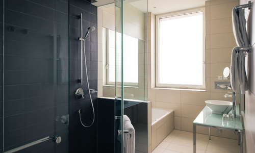 Vienna House Andel's Berlin Suite Bathroom