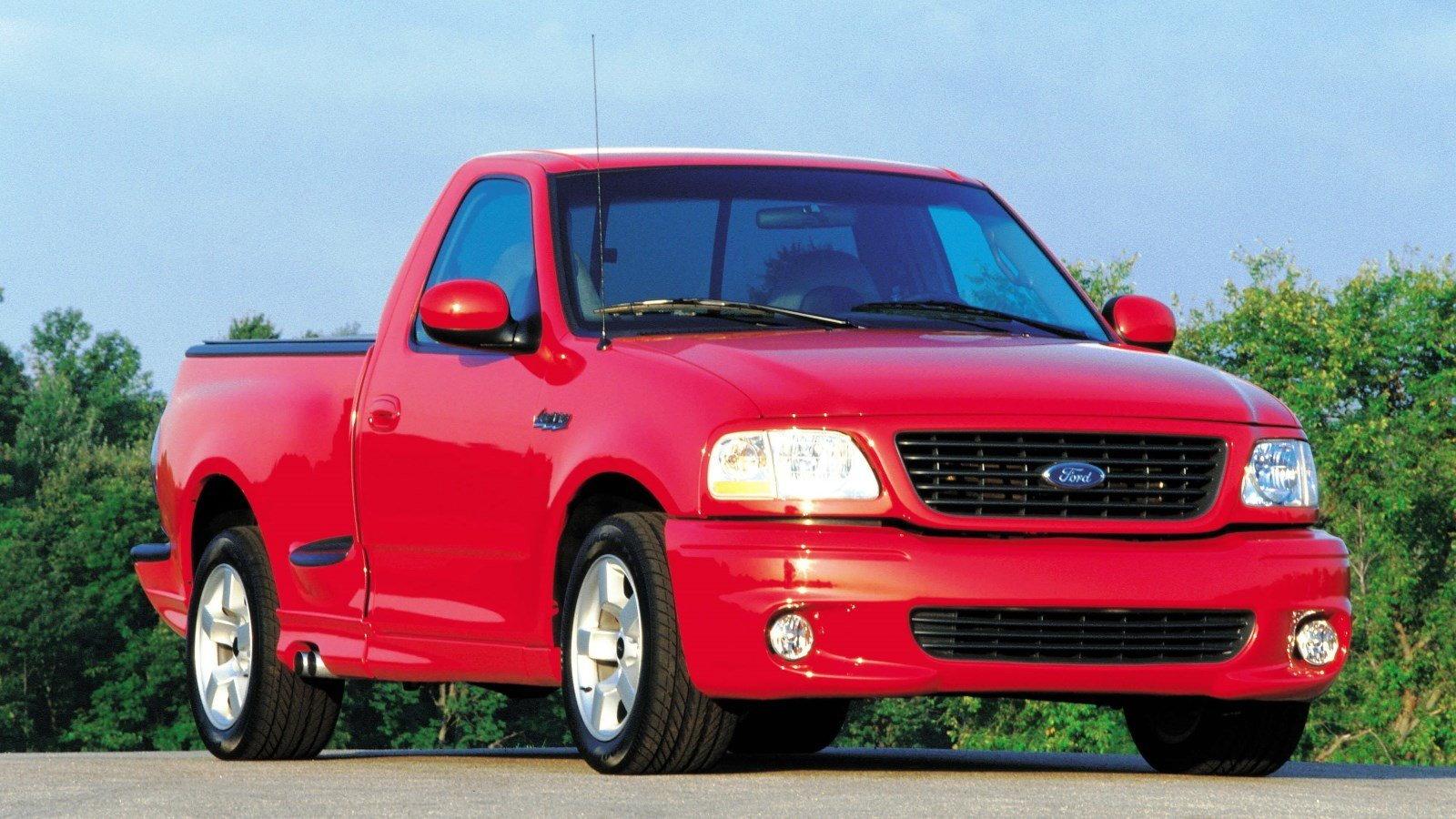 2001-2004 SVT Lightning