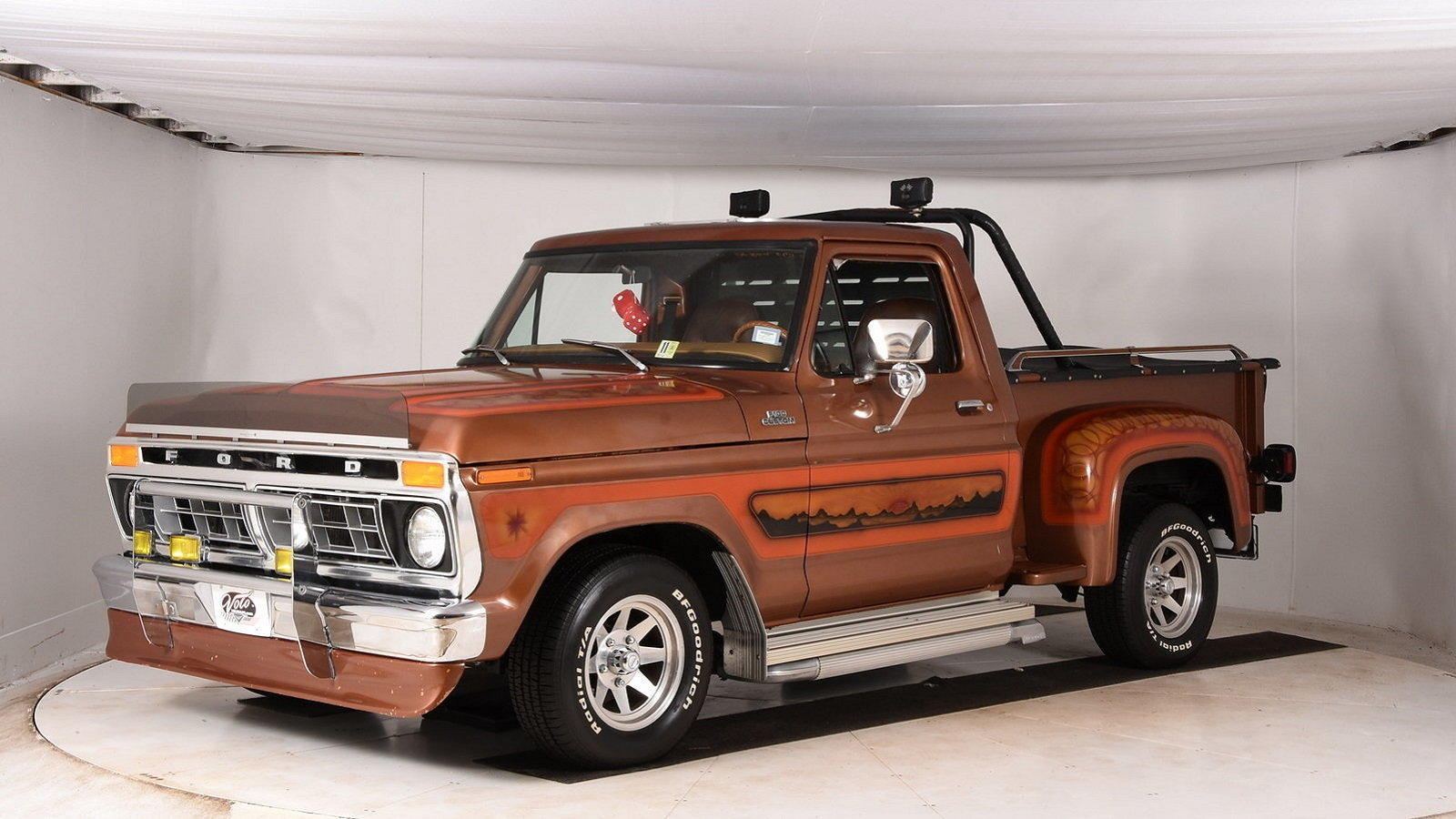 Shagadelic Ford F-150 Screams the '70s Inside and Out