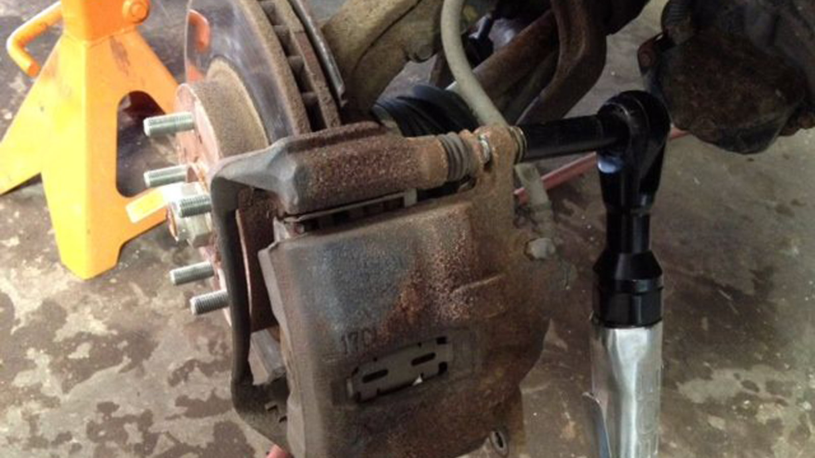 When To Change Brake Lining : Honda accord how to replace brake line tech