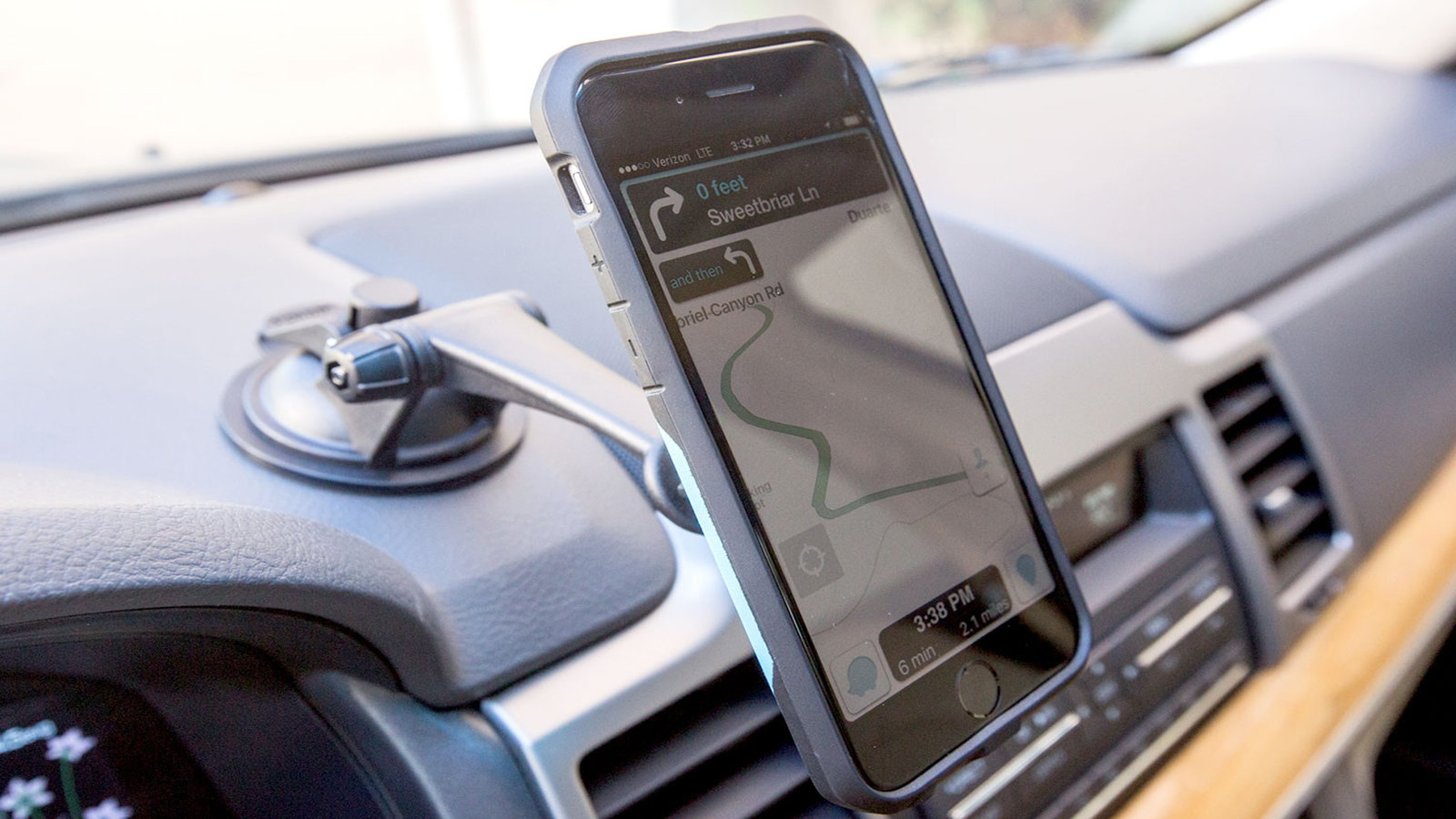 Swivel Car iPhone Mount