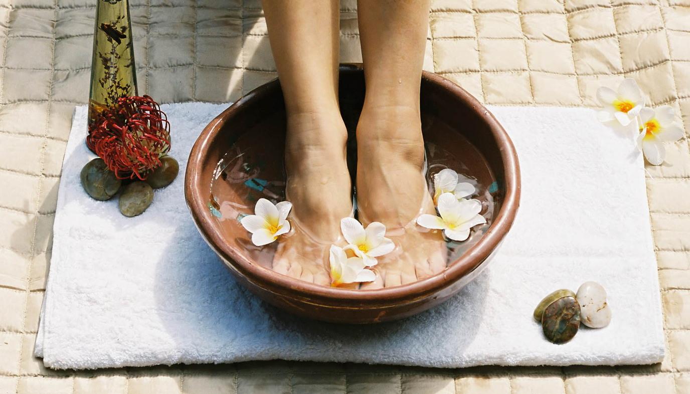 aeromatherapy foot soak