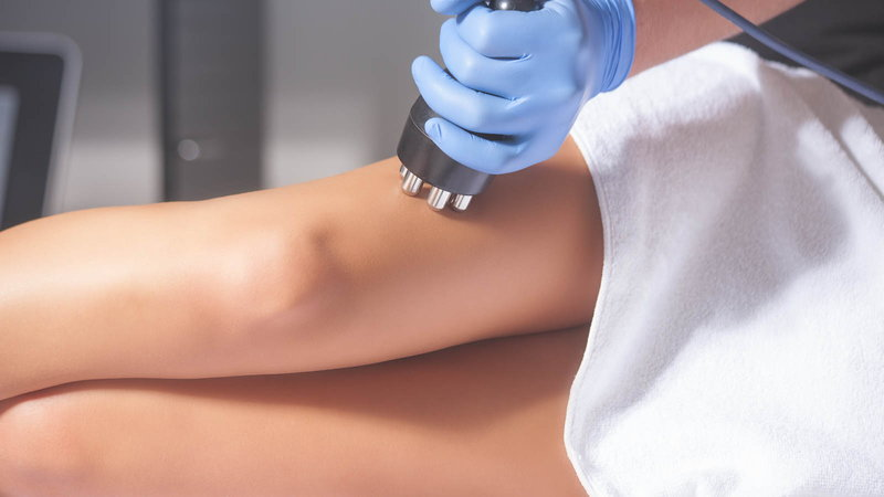 woman getting cellulite treatment