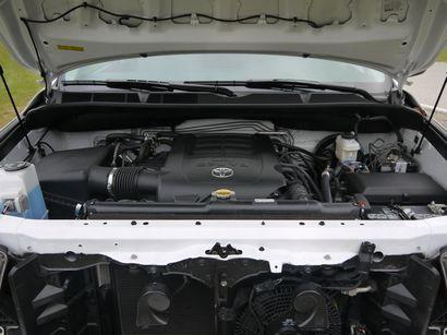 iForce DOHC 5.7-liter V8