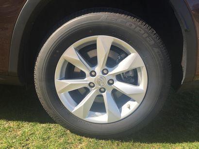 2016 Lexus RX 350 alloy wheel detail