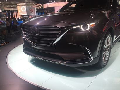 2016 Mazda CX-9 Signature front fascia