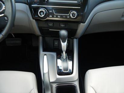 2013 Honda Civic L Hybrid