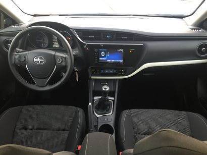 2016 Scion iM dashboard