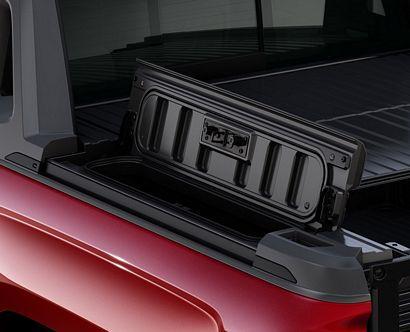2017 Chevrolet Silverado 1500 High Country High Desert side box detail