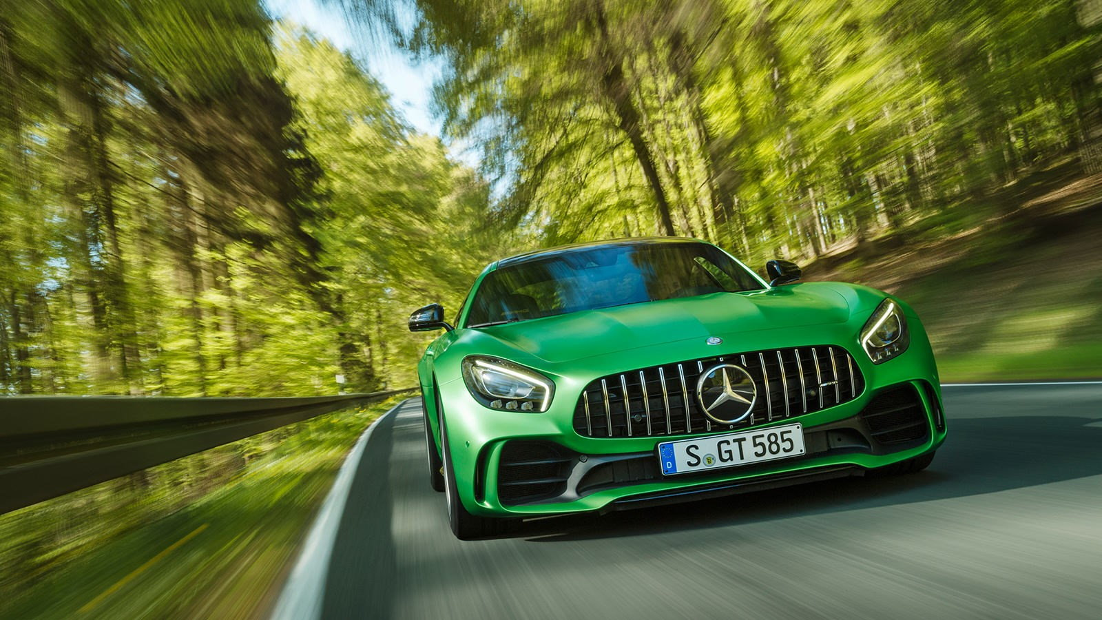 6 Things Mercedes-Benz Invented that Other Cars Use