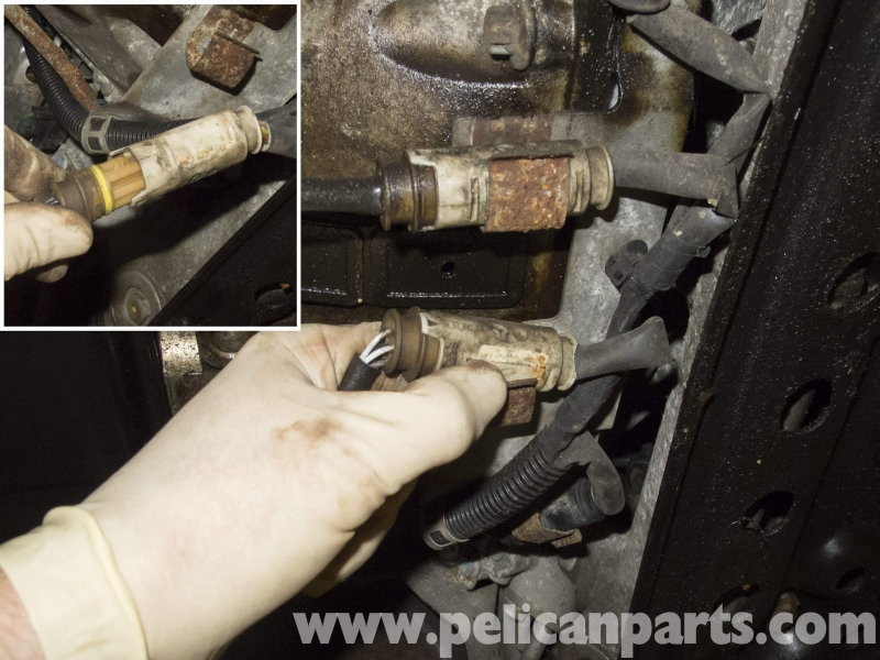 02sensorreconnected_resized 64712 mercedes benz w211 e class how to replace oxygen sensor mbworld  at reclaimingppi.co