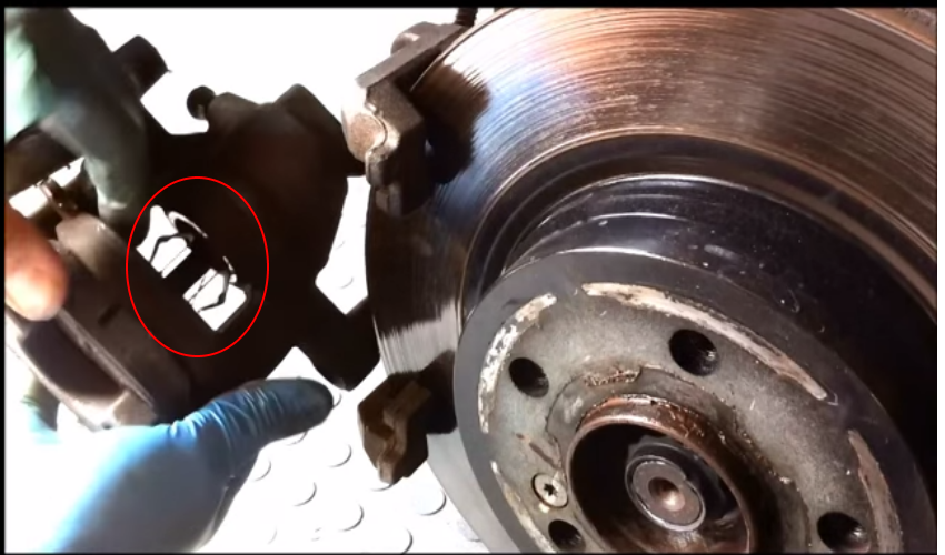 Service manual how to replace rotors 2003 mercedes benz c for Mercedes benz c300 brake rotors