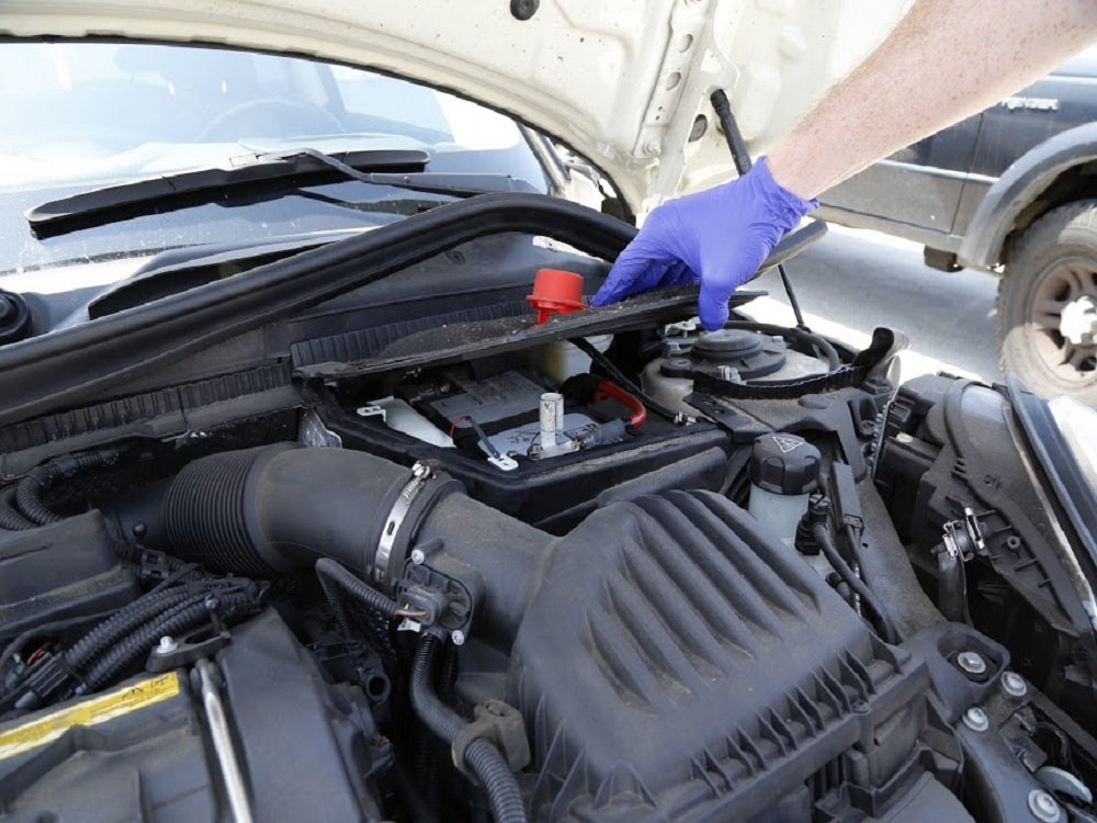 Mini Cooper 2014 to Present How to Replace Battery