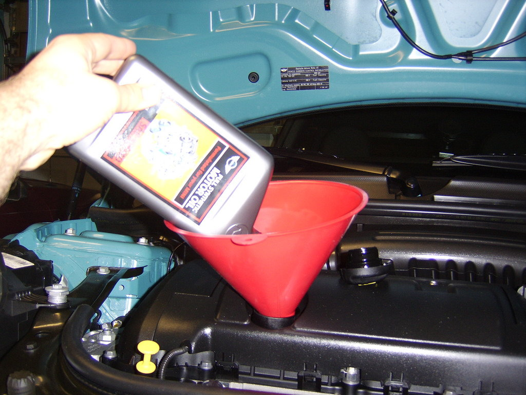 Mini Cooper R56 Turbo 1 6 8 Oil Change Filter Diy How To Replace Remove