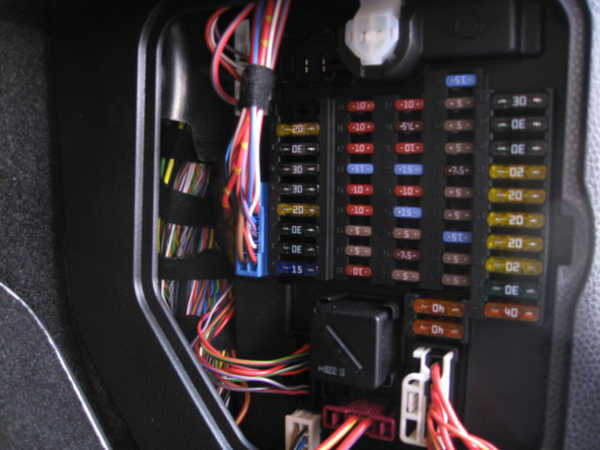 mini cooper stereo problems diagnostic guide. Black Bedroom Furniture Sets. Home Design Ideas