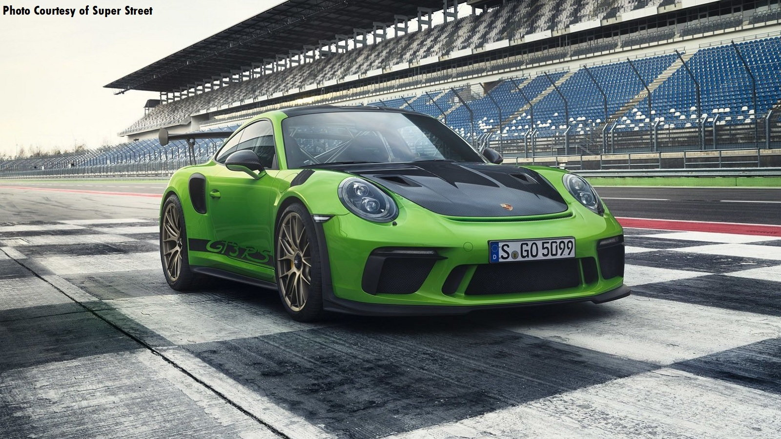 The Pure Power of the 2019 911 GT3 RS