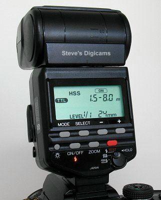 Konica Minolta MAXXUM 7D with Canon 550EX speedlight, image (c) 2005 Steve's Digicams