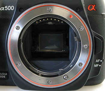 sony_a500_lens_mount.jpg