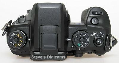 Konica Minolta MAXXUM 7D, image (c) 2004 Steve's Digicams
