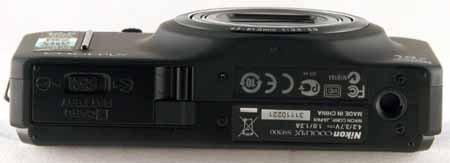 Nikon S9300-bottom.jpg