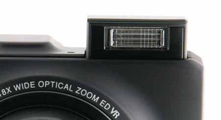 Nikon S9300-flash.jpg