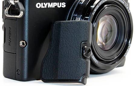 olympus_xz2_rec_grip.JPG