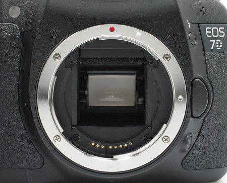 canon_7d_lens_mount.jpg