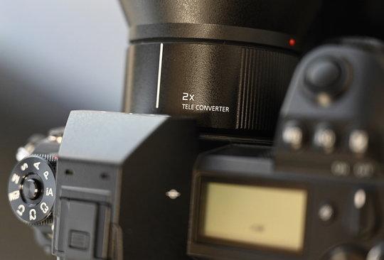 Panasonic-LUMIX-S-2x-Teleconverter.JPG