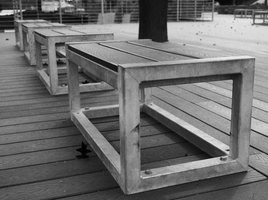 Olympus_PEN-F_Benches.jpg