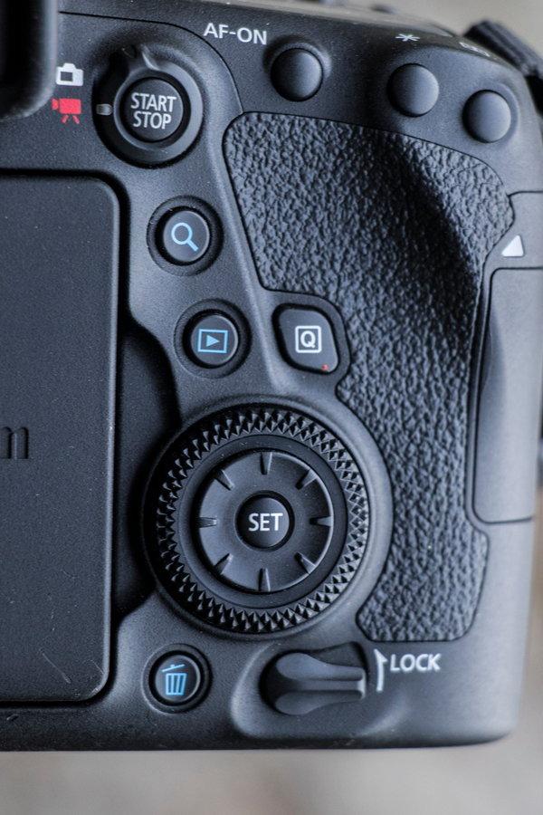 Canon_EOS_6D_MarkII_Product Shots-8.jpg