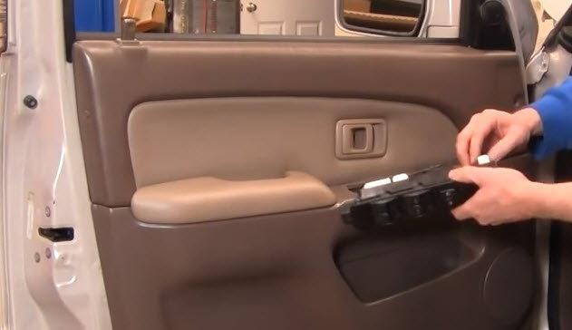 Toyota Tundra Replacing Window Actuator