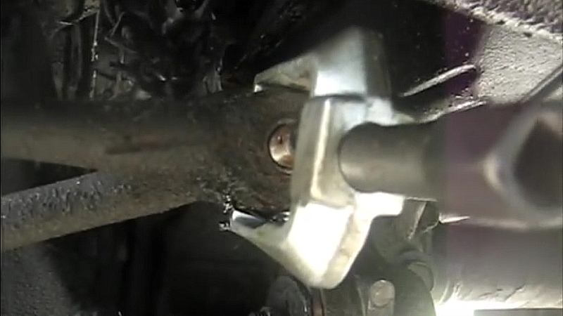 toyota 4runner pickup truck tie rod end inner outer remove removal change how to replacement
