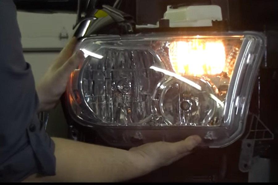 Toyota tundra removing headlight