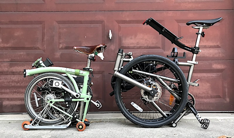 Projet Helix : vélo pliant en titane - Page 6 Brompton_vs_helix_folded_a_713b87aa1345224d00da5e38e1779704459e3c7d