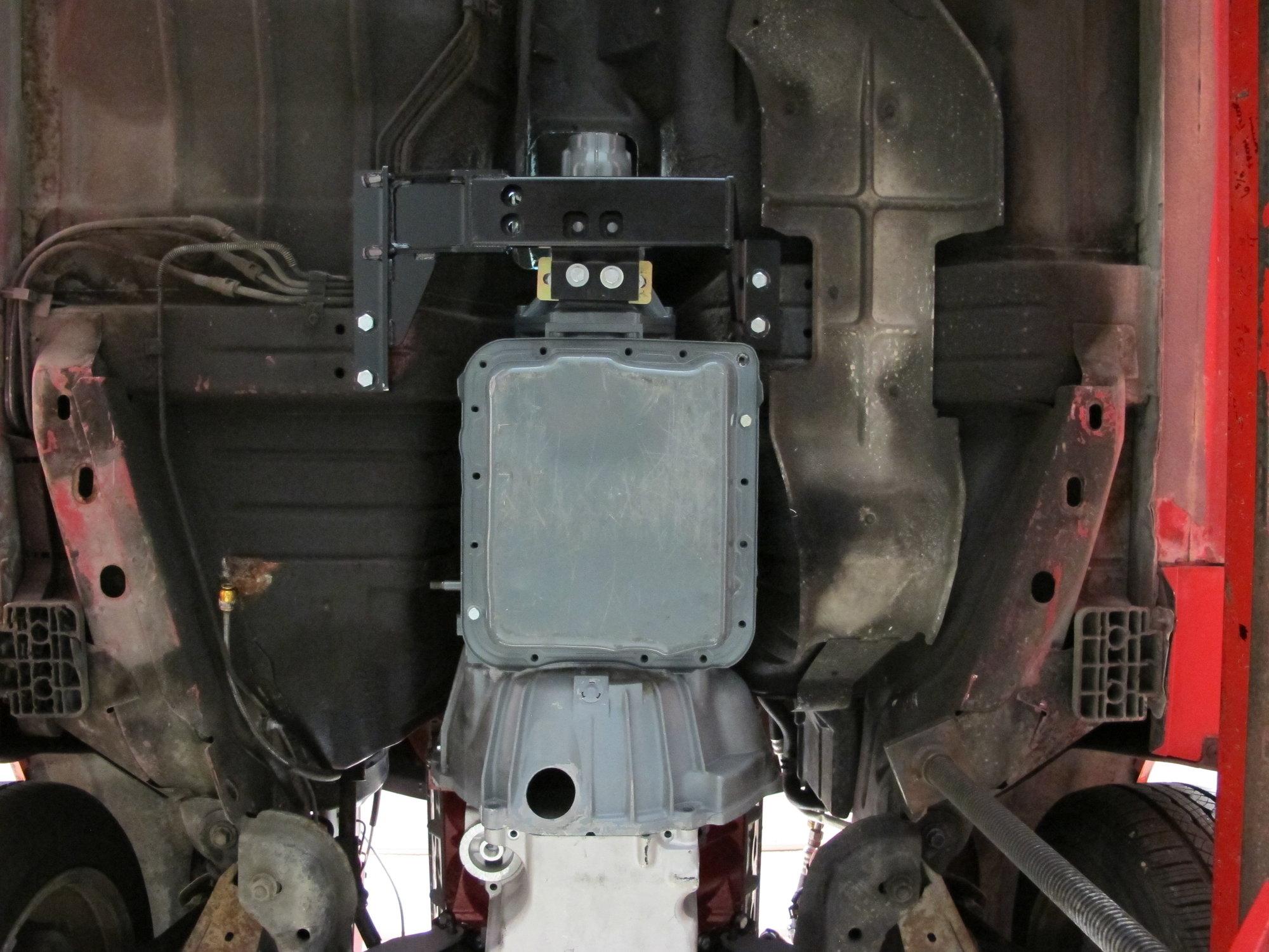 1999 2000 01 02 03 Chevrolet GMC Truck Yukon 4x4 Transmission Cross Member Brace