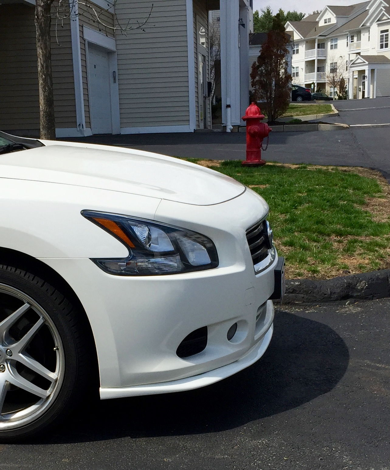 2009 Nissan Maxima Exterior: Question About A From And Rear Lip!