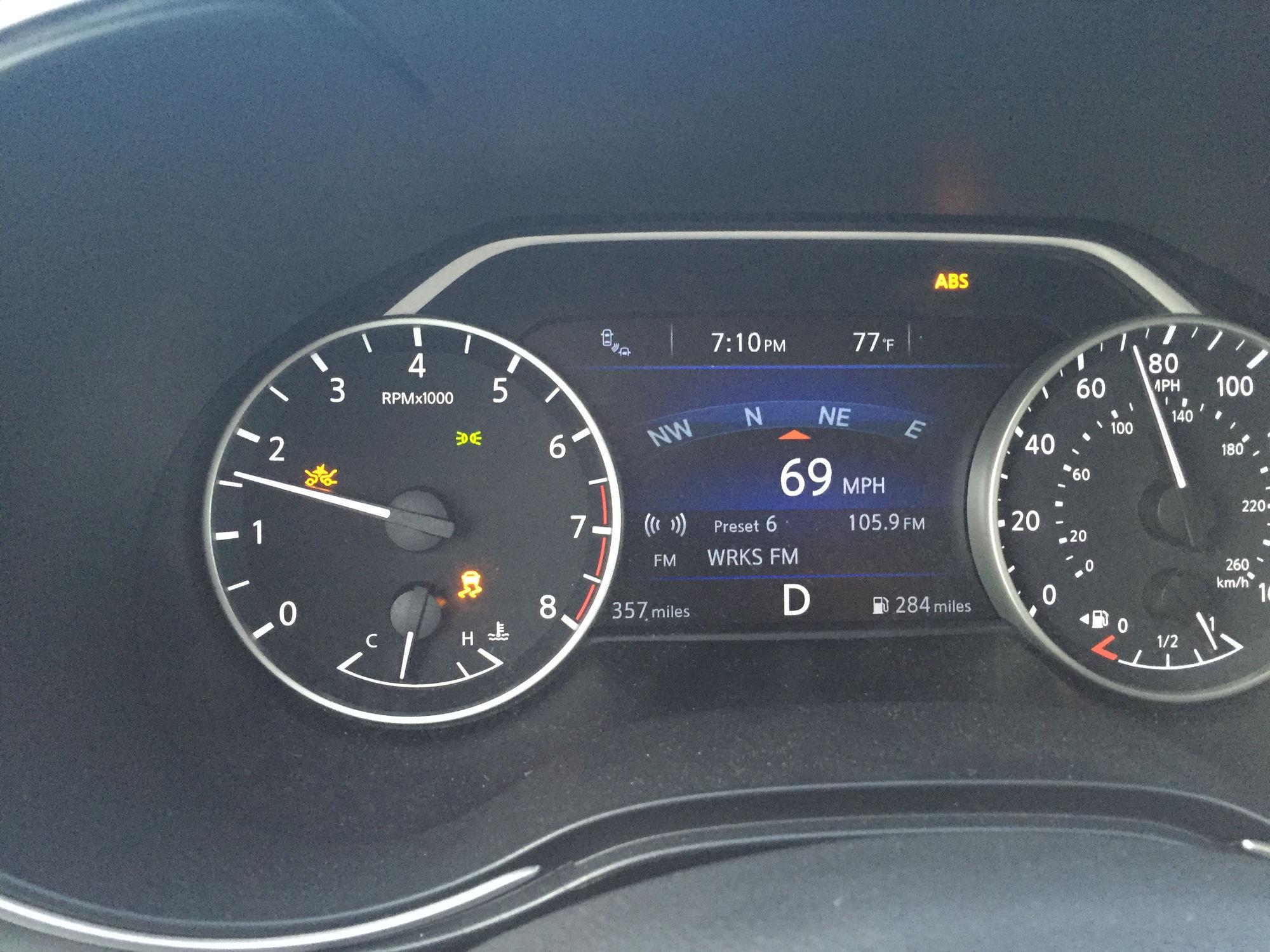 Nissan Maxima: Indicator lights