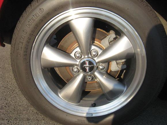 "17"" Gun Metal Bullitt Wheels"