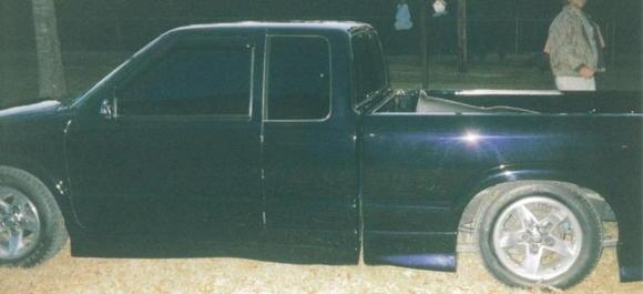 Poor pics of 2001 ZQ8 S-10 heavy mods