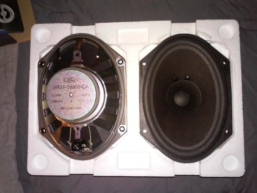 """Fits 2007-2009 Ford Mustang Front Doors 6/"""" x 8/"""" TX Speakers by Skar Audio"""